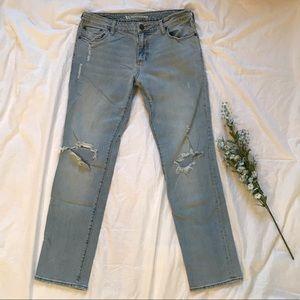 Bullhead Boyfriend Distressed straight leg jeans